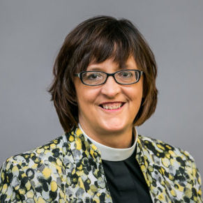 Headshot of Rev. Val McIntyre